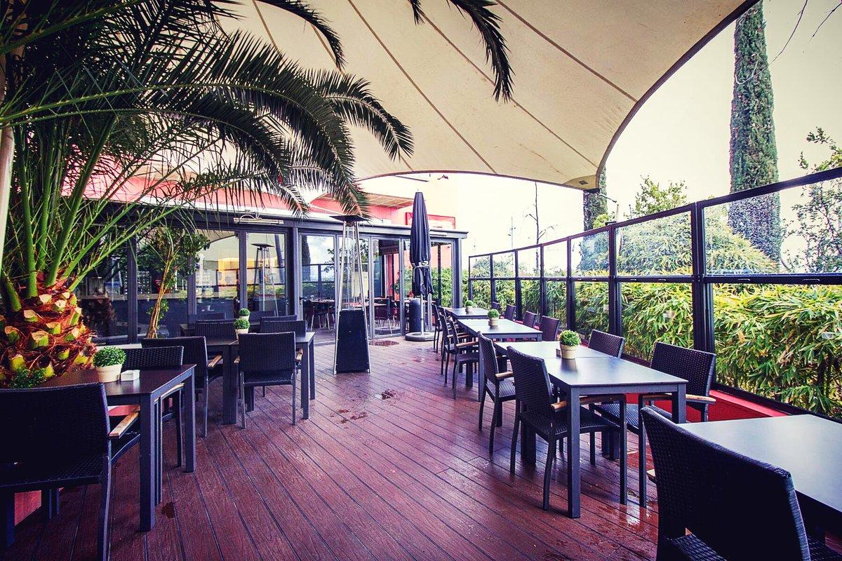 Seguimos ampliando más VIPS para que puedas disfrutar!  😍🍺🎈#AbrimosLasGanasDeVerte #MuyAbiertoAlVerano ➡️VIPS Peligros (Madrid) Nuevas terrazas: ➡️VIPS Moraleja Green ➡️VIPS Smart Heron City ➡️VIPS Smart Cimadevilla (Oviedo) (Aquí locales abiertos: https://t.co/2kpggk1WiH ) https://t.co/RncqQOokCe