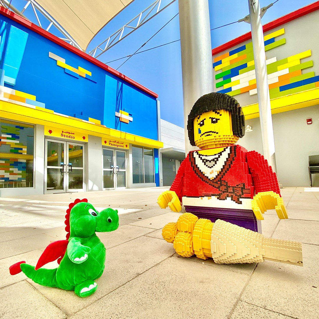 Hello boys & girls! Ollie the dragon here! Oh no! My LEGO friend dropped her ice cream cone :( we'll just have to head over to Sir-Scopps-A-Lot to get some more! - Ollie 🐉 #OllieExplores https://t.co/6OeRUVu9mP