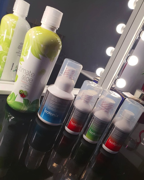 Shine the spotlight on your health What do you mix into your daily cocktail? : @ewelinafilipczuk  #shoponshop #isotonix pic.twitter.com/LhvBdSYJND