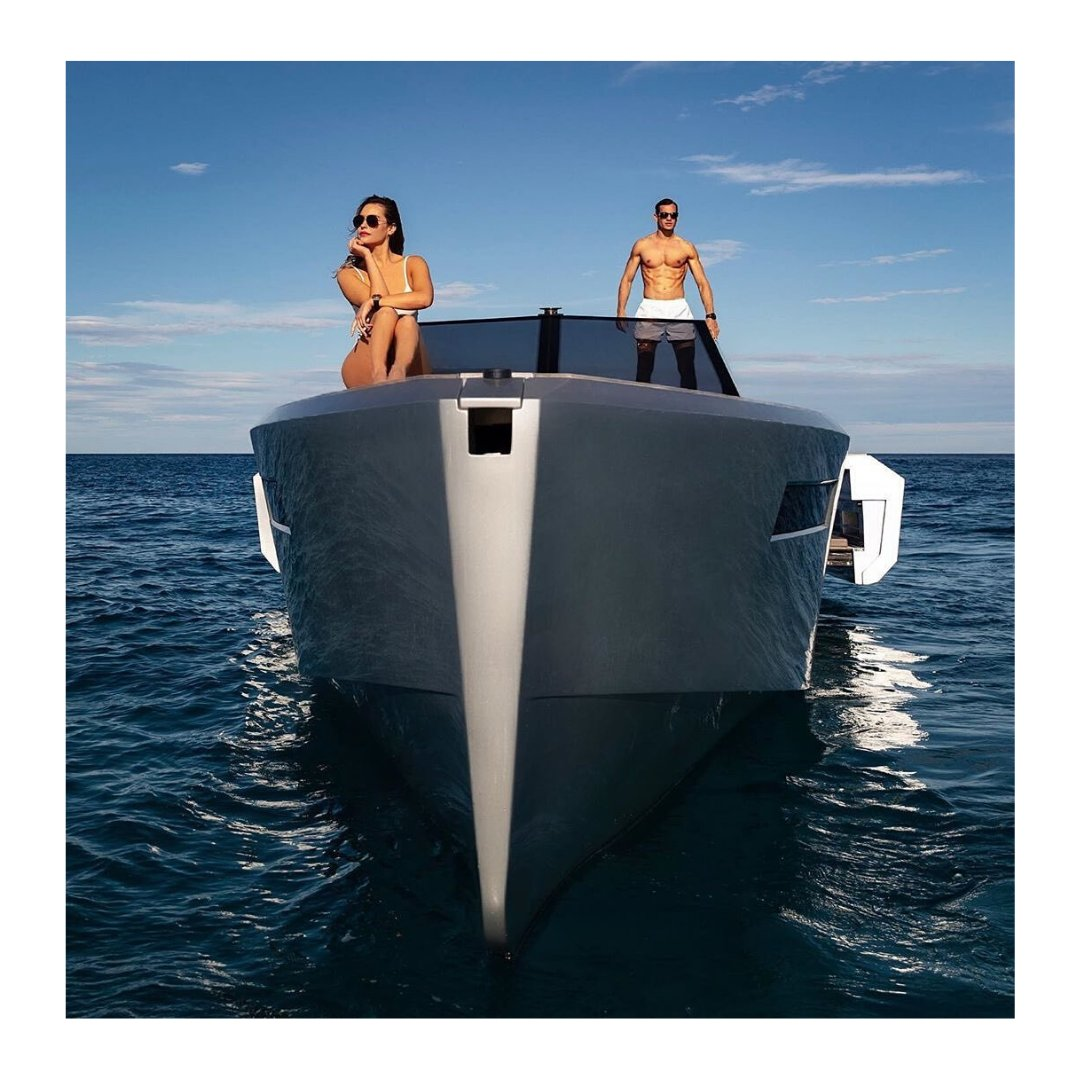 It's just you and the sapphire sea. The sun's warmth on your shoulders as cool breeze slips off the water. Sip your favorite drink and snap a pic of that beautiful satisfied smile of yours. Affordable #boating trips are yours, now  https://soo.nr/RzmY #yachtlife pic.twitter.com/OOm5VCuBtw