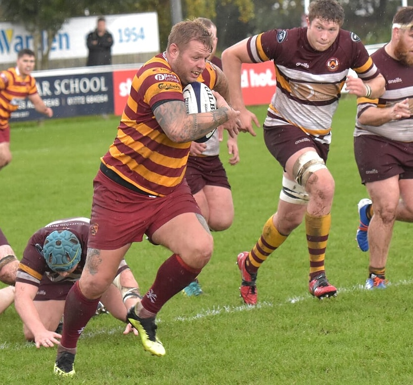"""Another season for @scottyR12james at #Fylde. 90 appearances & 28 tries to date in 2 spells for the @lancashirerugby & former @EnglandCounties cap. @spraggio """"He's a devastating ball carrier and one of the best offloaders in the national leagues""""  Details https://t.co/Tte8XxOxAc https://t.co/4NGs4RhQuF"""