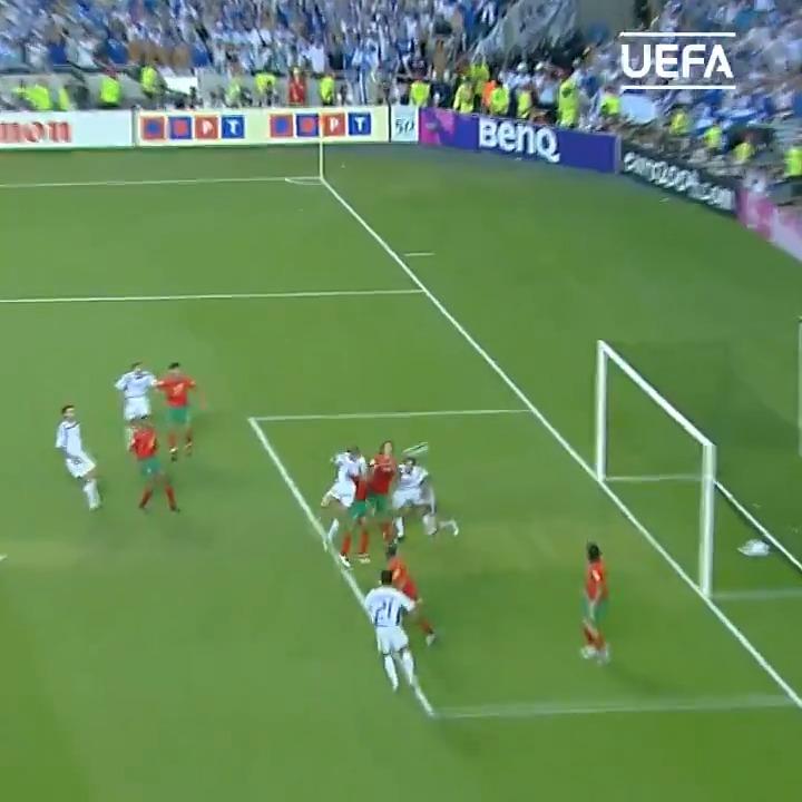 Image for the Tweet beginning: 🇬🇷 EURO 2004 🏆  Angelos Charisteas