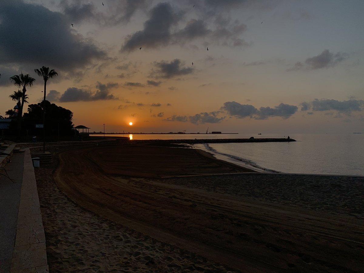 Morning swim @ La Ràpita en @relivecc! #GetOutThere https://t.co/0Zfz8FDZlN https://t.co/2Pci6DbYuH