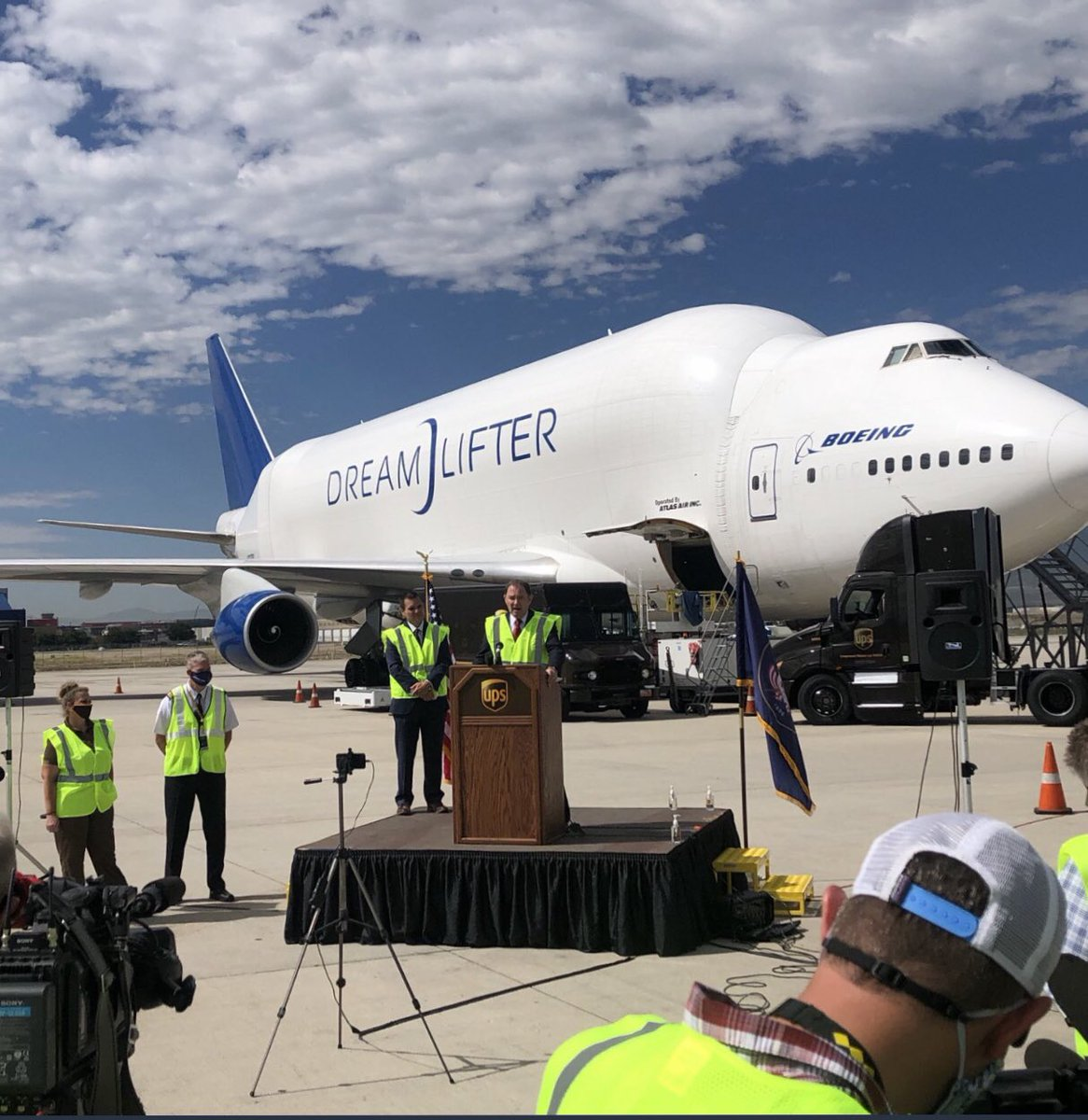 Supporting our friends at Boeing - Cotopaxi and so many others that brought in face mask for the children of UTAH!! Gods blessings on our Governor Herbert and our Utah leaders!! We are UPSNATION <br>http://pic.twitter.com/rdFWwCvF2J