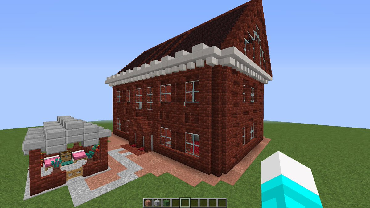 It's new house in #NewCity, I will give name soon, #Minecraft #Build~ pic.twitter.com/8X4E0YbRa0