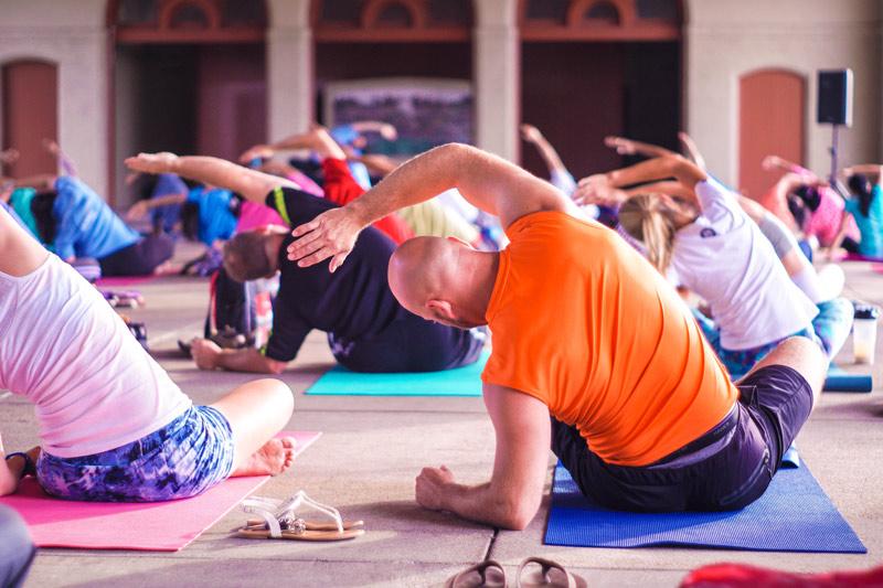 Heres 7 Yoga poses for beginners: 1. Mountain Pose (Tadasana) 2. Child's Pose (Balasana) 3. Cat/Cow Pose (Marjaryasana to Bitilasana) 4. Downward-Facing Dog (Adho Mukha Svanansana) 5. Warrior I (Virabhadrasana I) 6. Warrior II (Virabhadrasana II) 7. Corpse Pose (Shavasana)