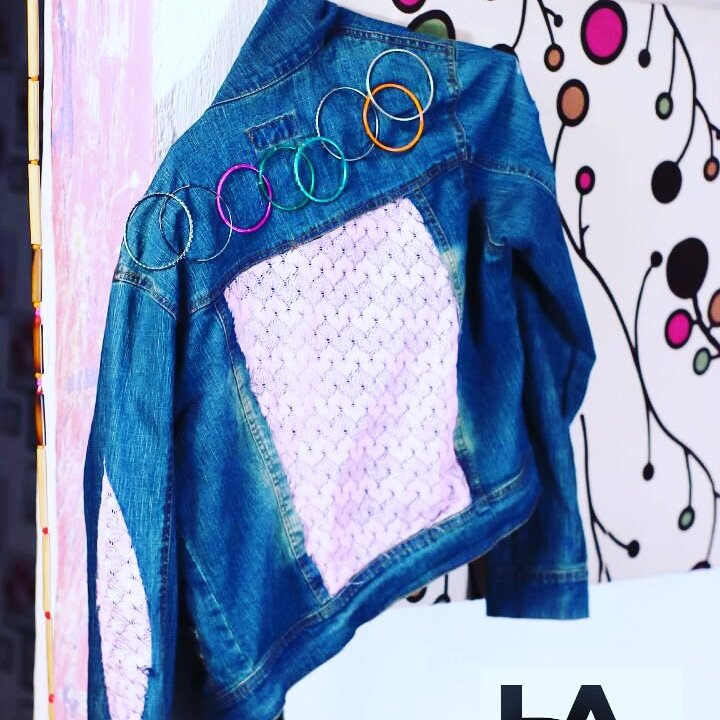 Jewelled deconstructed denim #fashion #style #jacket pic.twitter.com/Ts8dYUIrRt