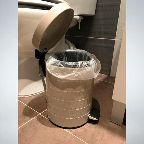 Desecha el papel sucio en el sanitario o sepáralo en una bolsa de plástico cerrada. Tira junto al resto de la basura e inmediatamente lávate las manos con agua y jabón. #MXdelFuturo sano https://t.co/mnqyOQJifs