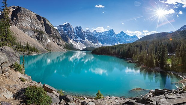 Our Expert Travellers have fallen in love with exciting destinations all over the world… but there's no place like home! These gorgeous Canadian stops will inspire your next photography getaway- no passport required. https://t.co/Ptf2DAwR65 https://t.co/5Kn1fgJTGm