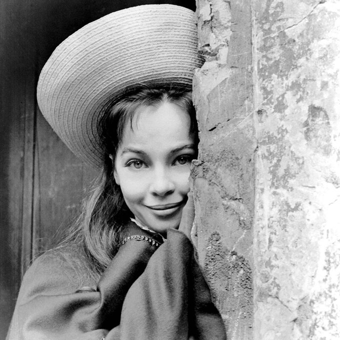 Join us in wishing the lovely Leslie Caron a happy birthday!