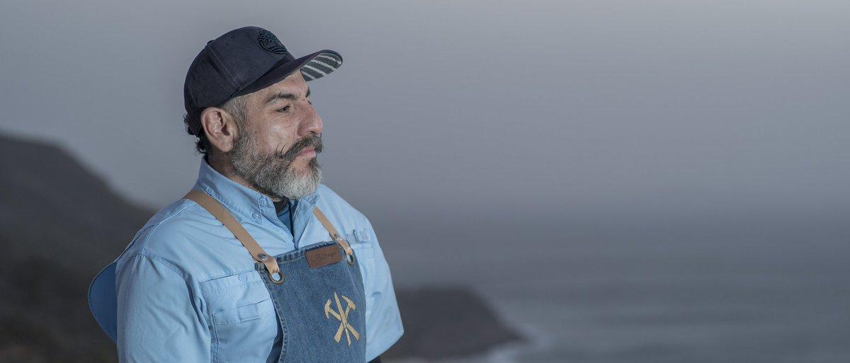 #TheNewNormal: Las formas para reinventarse de @AquilesChavez para cocinar en tiempos de pandemia.  A través de @WFM_Wradio, el chef gourmet mexicano dijo las razones por las cuales se mantiene con una actitud positiva en esta cuarentena.   https://t.co/YI2bYaRBwT https://t.co/Afl75rVwBv