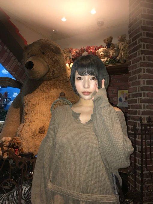 グラビアアイドル安位薫のTwitter自撮りエロ画像19