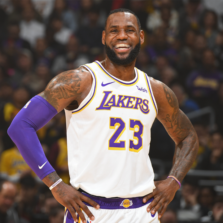 Two years ago today, @KingJames signed with the Lakers 👑  Will he deliver a title to Hollywood?   (via @NBA) https://t.co/AMy77kSmwT