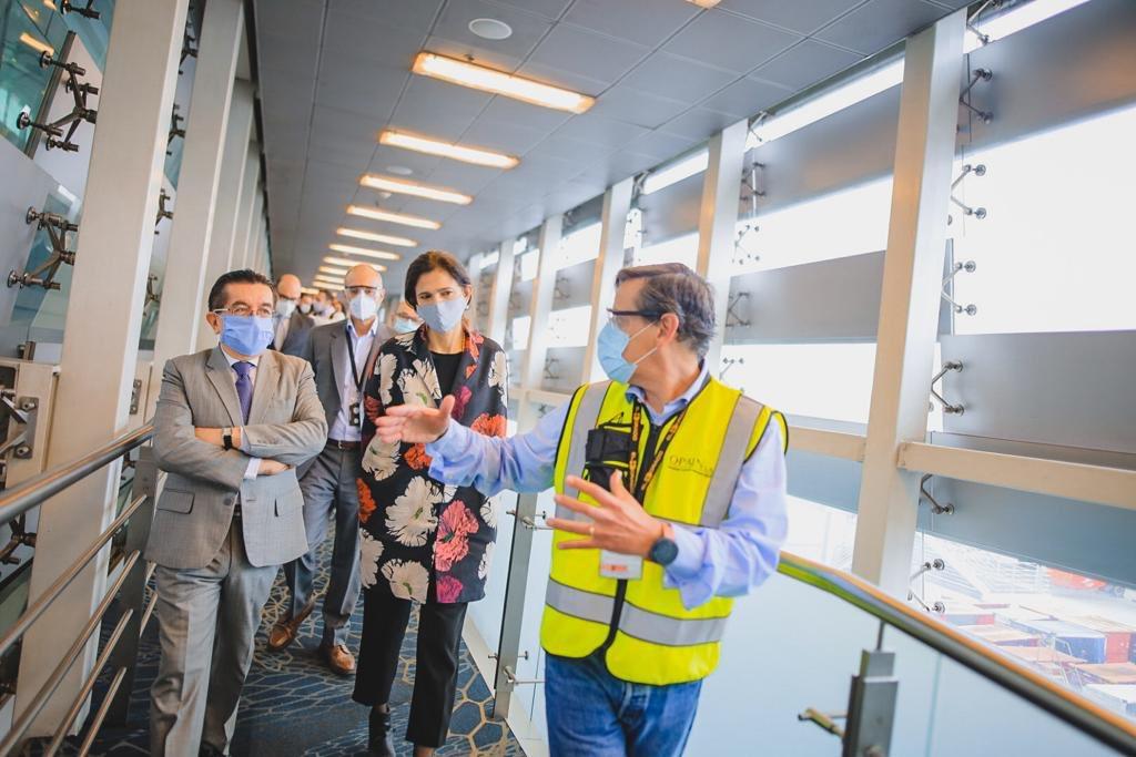 Con @mintransporte, la @AeroCivilCol y la @ANI_Colombia, revisamos los protocolos de bioseguridad para el manejo y control de la COVID-19 en vuelos y aeropuertos del país https://t.co/LPX5Ds46jy