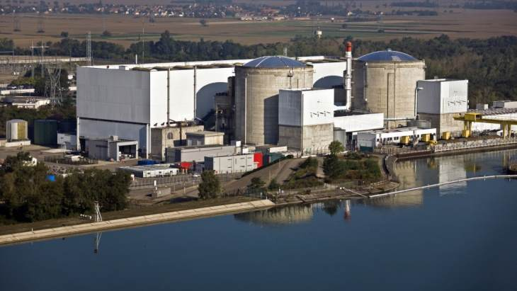 Some are calling the closure of Fessenheim nuclear power plant a tragedy. But why? After all it was France's oldest plant. When is a reactor retirement premature rather than reasonable? What are the reasons so many nuclear plants seem to be closing 'early'? Time for a thread 1. https://t.co/XfKkp3RiyK