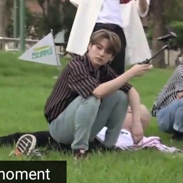 minho sitting on top of chan : finding stray finding stray kids s1 kids s2