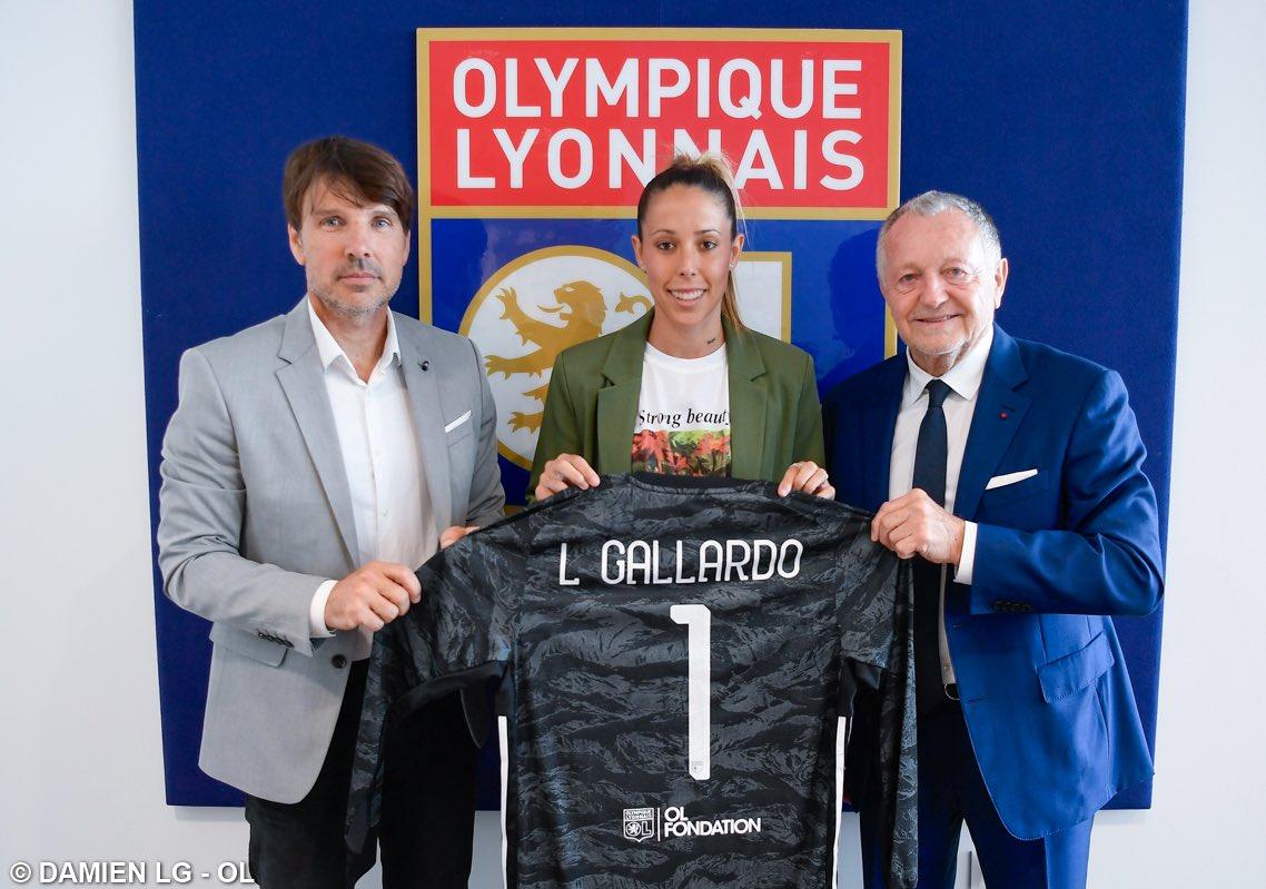 L'Olympique Lyonnais informe des arrivées des internationales Sara Gunnarsdottir et Lola Gallardo qui ont signé un contrat de deux ans avec l'OL, soit jusqu'en juin 2022.   Communiqué 👉 https://t.co/ve8lz664TL https://t.co/ysFeCmXpOi