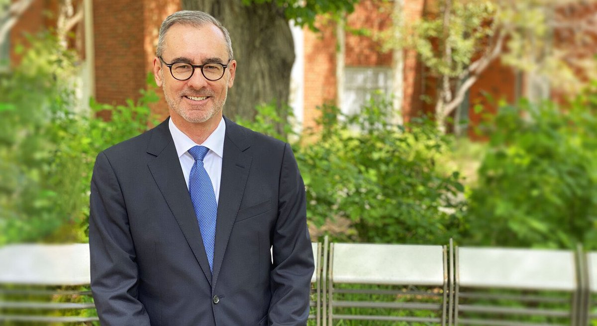 Welcome to Bill Flanagan as he begins his journey today as the 14th President and Vice-Chancellor at the University of Alberta. https://t.co/P7vOLLp1cS #UAlberta https://t.co/w432LJj0Nh