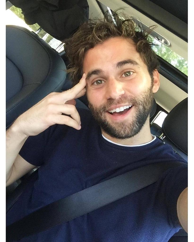 Smile! 😃🚘👤 - - @JakeBorelli #tbt #repost #blue #wednesday #smile #car #carshoot #photo #life #quarantinelife #fancy #jakeborelli #drschmitt #drlevischmitt #schmico #greysloanmemorialhospital #greysanatomy #greysabc #abcnetwork #sambaselli #thethingaboutharry #hulu #freeform … https://t.co/8LGnVDpR56