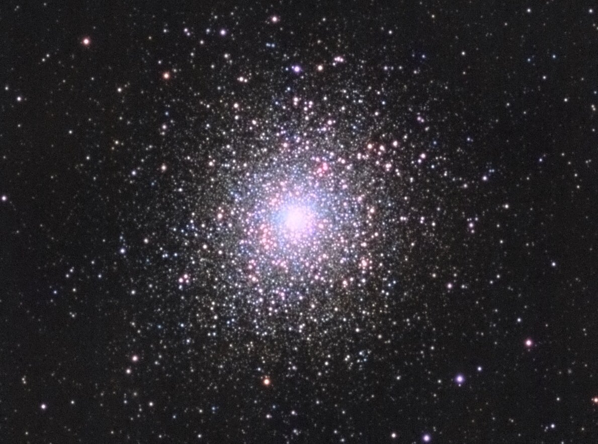 Messier 5 is a globular cluster located in the constellation Serpens. Subs:  L: 260, R: 101, G: 90, B: 98 x 40s Gain: 30 Gear: SW ED80/600 + ZWO ASI120mm #ASTRO #astronomy #Astrophotography #messier5 #globularcluster #slovakia #universe #space #NASA #ESA https://t.co/6qkxp2U0Kt