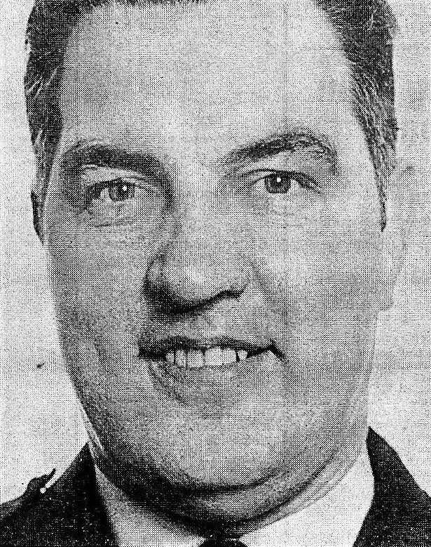#OnThisDay in 1989 the IRA murdered Norman Annett, 56. Off duty RUC shot in his 81 yr mother's living room between Maghera & Garvagh. Mother pleaded with murderers to stop firing & was herself shot in abdomen. She managed to crawl to the phone & raise alarm #OTD