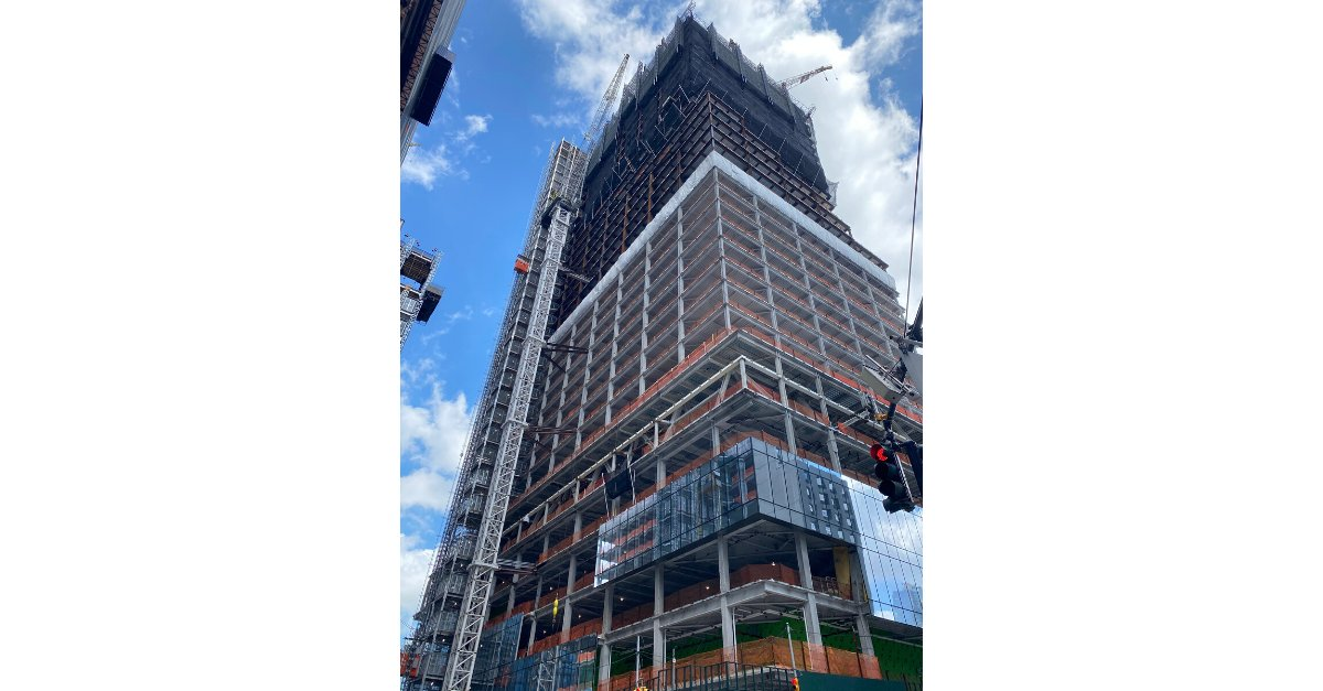 It's summer in New York, and as the temperatures rise, so does the superstructure at The Spiral, 66 Hudson Blvd. This week our team at New York City Constructors plans to complete steel erection of the 37th floor. All steel delivered to the site was sourced in the USA!