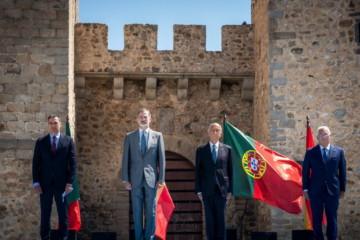 Today we have reopened the oldest border in Europe. #Portugal #Spain<br>http://pic.twitter.com/WUyZFhWw2p