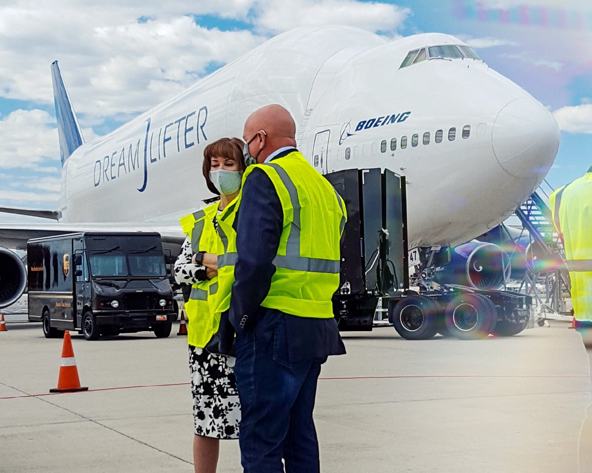 Today we witnessed the Boeing DreamLifter arrive with an incredible donation. We are so excited to announce that 500,000 masks were donated by Cotopaxi to our Utah schools! We'd like to thank Boeing, and GOED for thinking of the health and safety of our students and staff. <br>http://pic.twitter.com/doKTf1tQ7d