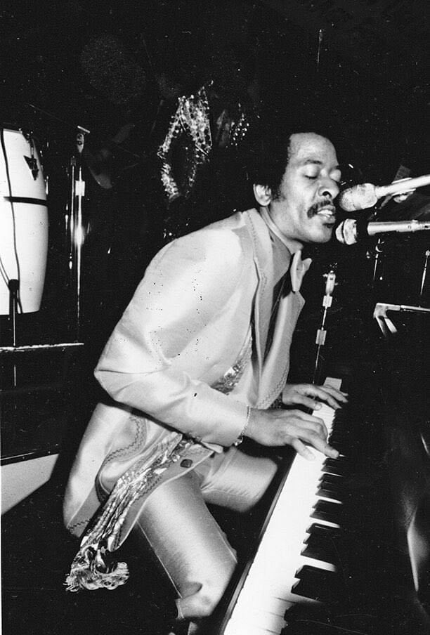 So there is an effort going on in New Orleans to change Robert E. Lee Boulevard to Allen Toussaint Boulevard. This is an amazing idea because a) fuck racism, and b) Toussaint is one of the most important voices in American music. Quick thread: <br>http://pic.twitter.com/62MK97OUPu
