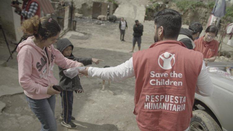 La Unión Europea 🇪🇺, con fondos de @eu_echo y a través de una alianza con @SaveChildrenMx, apoya a personas migrantes y refugiadas en las fronteras de México 🇲🇽.   En los próximos 18 meses, más de 4,000 personas serán atendidas.  Más información: https://t.co/mfbsdoj1Vv https://t.co/xD4RDOHf7l