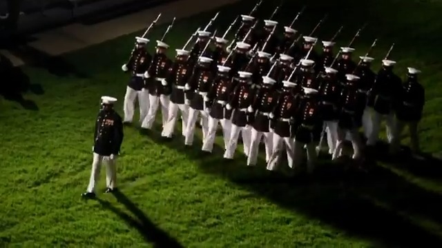 The @marineband is back 🇺🇸 The #PresidentsOwn will resume marching on the historic parade deck in Washington, D.C., for the 2020 evening parade season in coordination with @CDCgov #COVID19 guidelines. Watch them live tonight at: facebook.com/marineband/ #KnowYourMil
