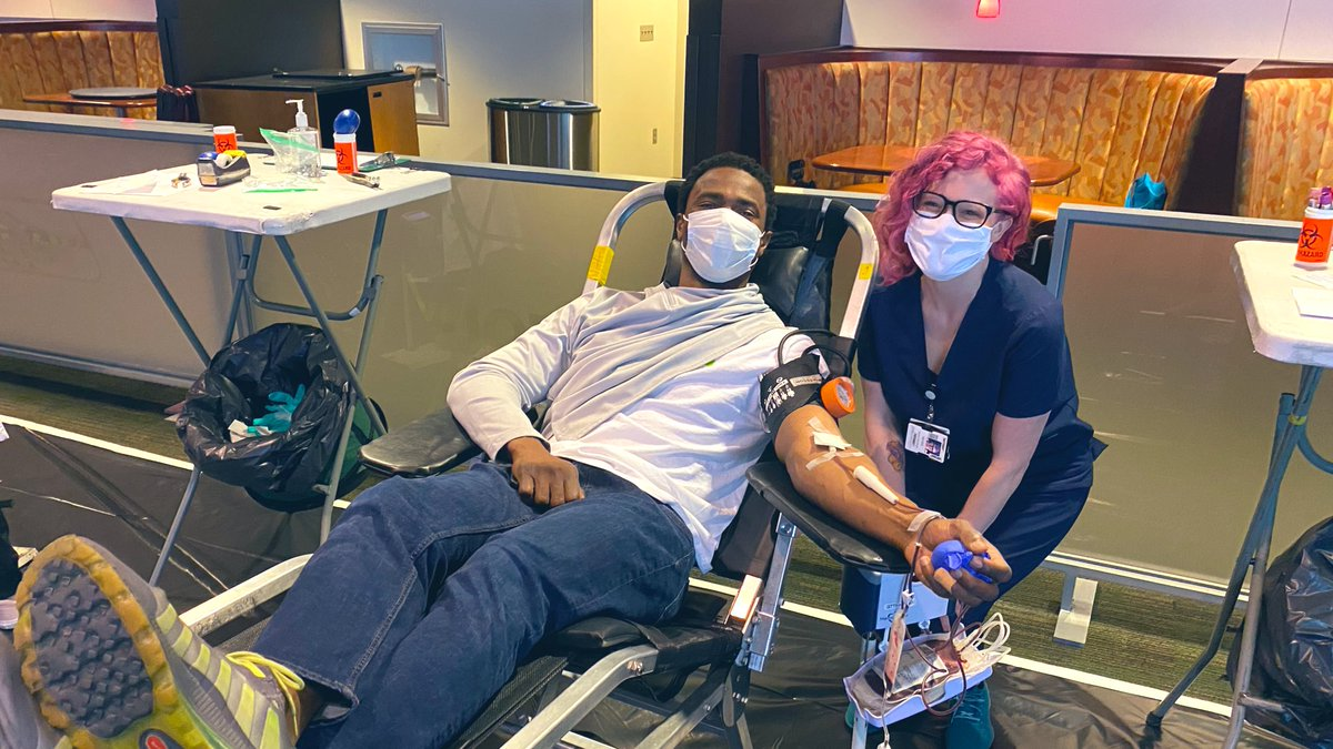 Seahawk ✅ Attorney ✅  Blood donor ✅  Thank you, @obo87! https://t.co/6fFoyxcxfv