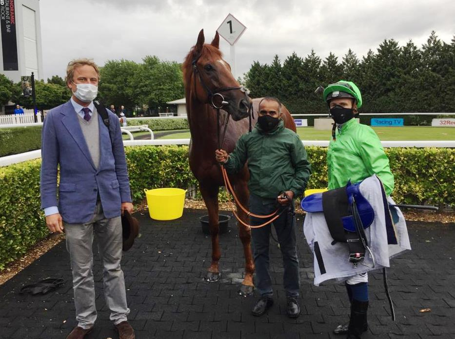 River Dawn WINS in the Unibet Casino Deposit £10 Get £40 Bonus Handicap over 1m at @kemptonparkrace (1st July 2020) and its a DOUBLE on the day for @whatcomberacing for Trainers Paul & Oliver Cole, Owner PFI Cole and Jockey @davidprobert9 . Congratulations to ALL connections.