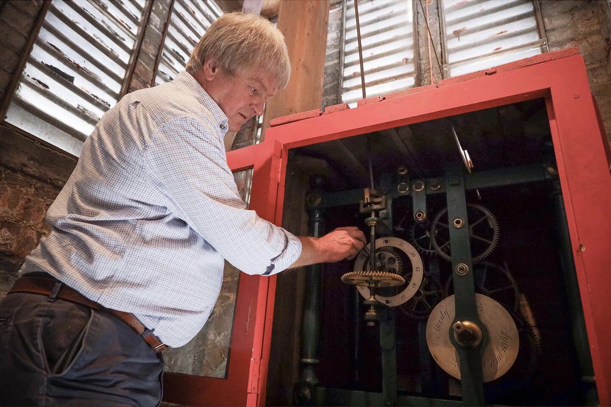 Horologist Howard Newman attends to the clocks in Saffron Library. Having not been allowed to enter the building for fourteen weeks, one clock has read 6.25 for almost 100 days. Now it tells that time is up on The Great Pause. #thegreatpause #reportagespotlight #saffronwalden <br>http://pic.twitter.com/AIjFAt3ofn