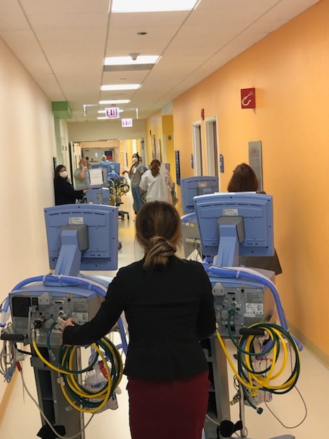 Thank you @LurieChildrens for the generosity in letting us borrow vents for our adults during the height of COVID in Chicago.  Numbers are declining as many patients improve and we're grateful for the partnership @NorthwesternMed #MasksSaveLives https://t.co/BZoDo5cmcC