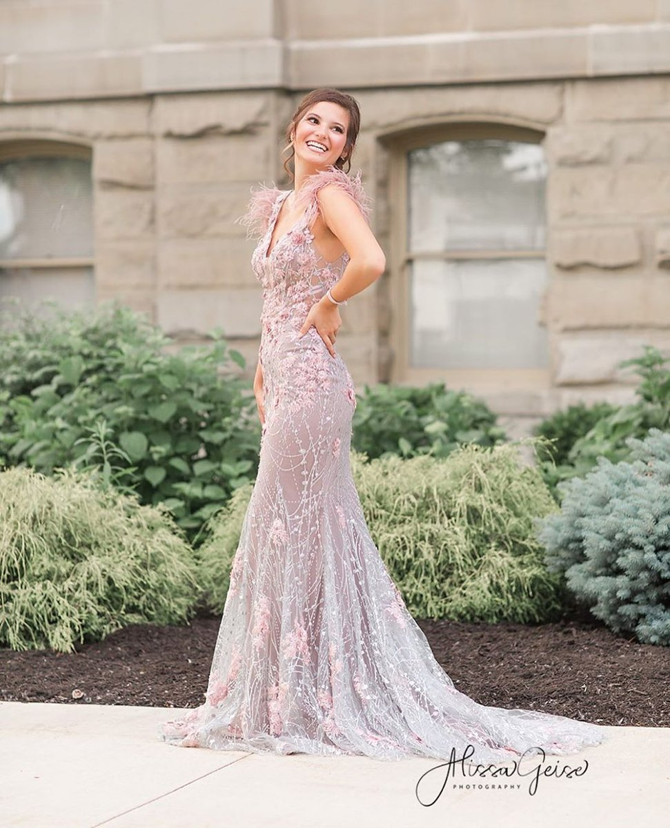 The 👑 @meredithmartin is positively radiant in #60738!  For Style Details, Visit: https://t.co/JddC3nN88W  📸: @alissageisephotography 👗: @purecoutureprom  #promdress #glam #pageantdress #gala #formal #redcarpet #lightpinkdress #dresswithtrain #mermaiddress #embroidereddress https://t.co/QIj8w86M6Y