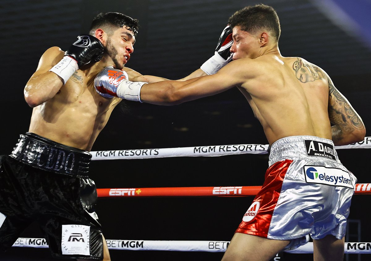 Alex Saucedo put on a show against @teamfredrickson   Photos by Mikey Williams/@trboxing  https://t.co/63J7ZsuFXV  @Jose_M_Umana @Broookksss #boxing #boxingnews #boxer #Fights #FightOn #fight #sports #SportsNews #PHOTOS #photography #SaucedoFredrickson #thesportspulse https://t.co/slxctYJR7X
