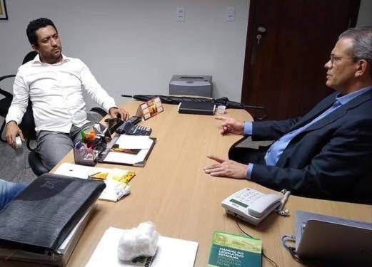 (A) Macau: vereador Ítalo agradece apoio do deputado Hermano na cobrança do pagamento de árbitros - https://t.co/FcYX4lBEQM https://t.co/dLRVgnu36W