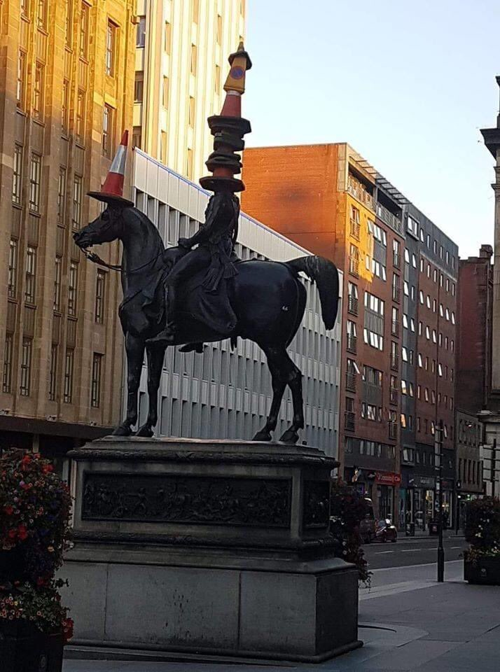 Yesterday, a tadger removed the cone from the statue. Today, Glasgow responded: