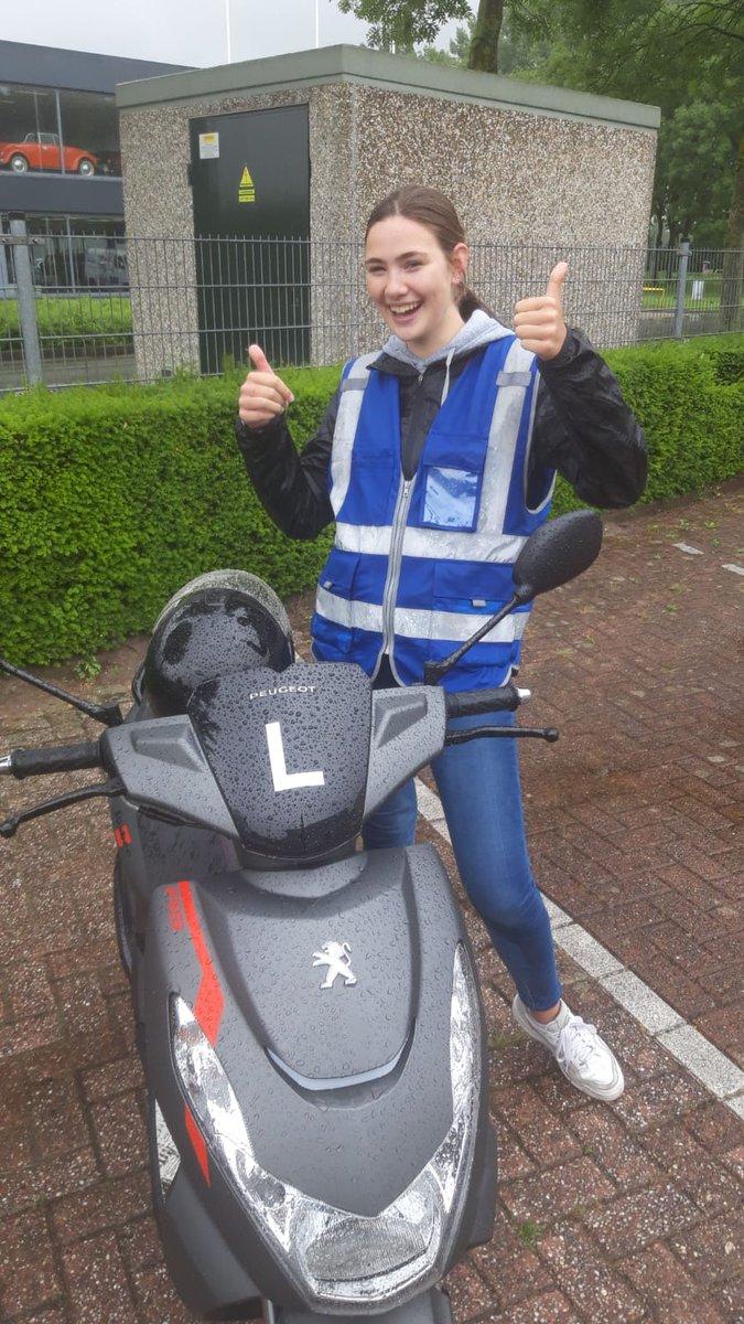 test Twitter Media - Melissa Veen gefeliciteerd met het behalen van je #scooter #rijbewijs. https://t.co/SMf9ZKGv0h