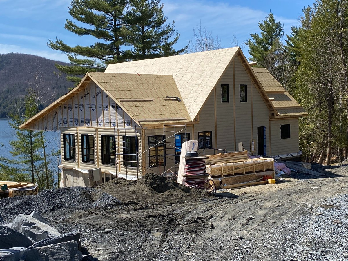 #ICYMI Working with a knowledgeable and creative team of designers, who take their time to #MakeItRight is one of the most important parts in the home building process. Here's what Mark & Craig had to say about working with their Timber Block design team: https://t.co/CS3SbwsN8t https://t.co/x6a3VQMtiR