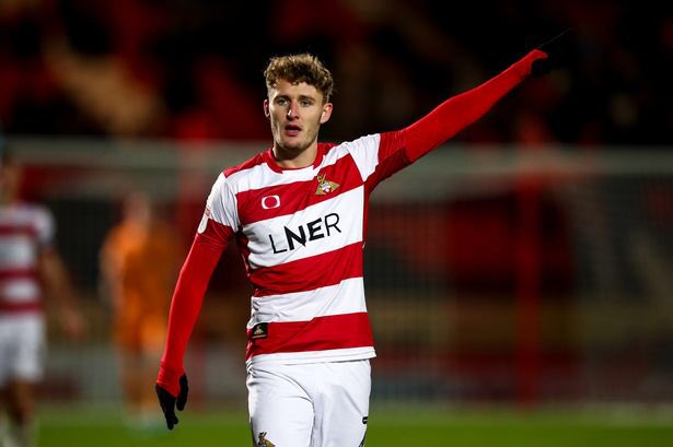 City are interested in signing Doncaster Rovers top scorer Kieran Sadlier after the winger declined a contract offer at Doncaster. (Yorkshire Post)  #hcafc pic.twitter.com/ImxXSjX4mI  by Hull City News