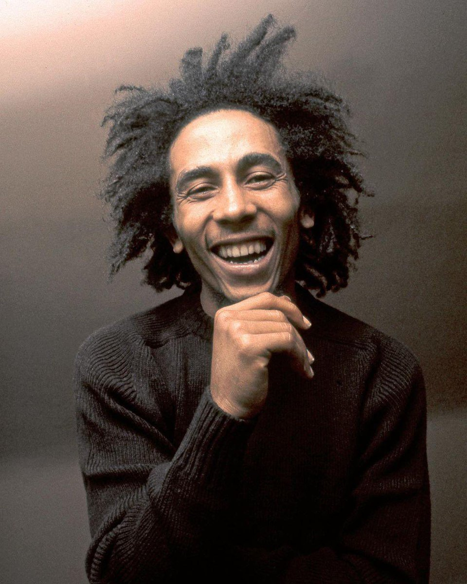 Celebrating #internationalreggaeday in the best way possible; an evening spent listening to Bob Marley 💛🇯🇲 https://t.co/FsUmWFmTQJ