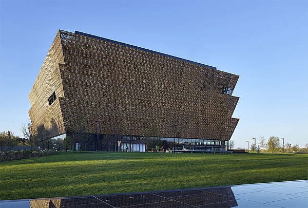If you're black, the 1st half of this museum is traumatizing and something you will never forget. https://t.co/2bzwIWlITU