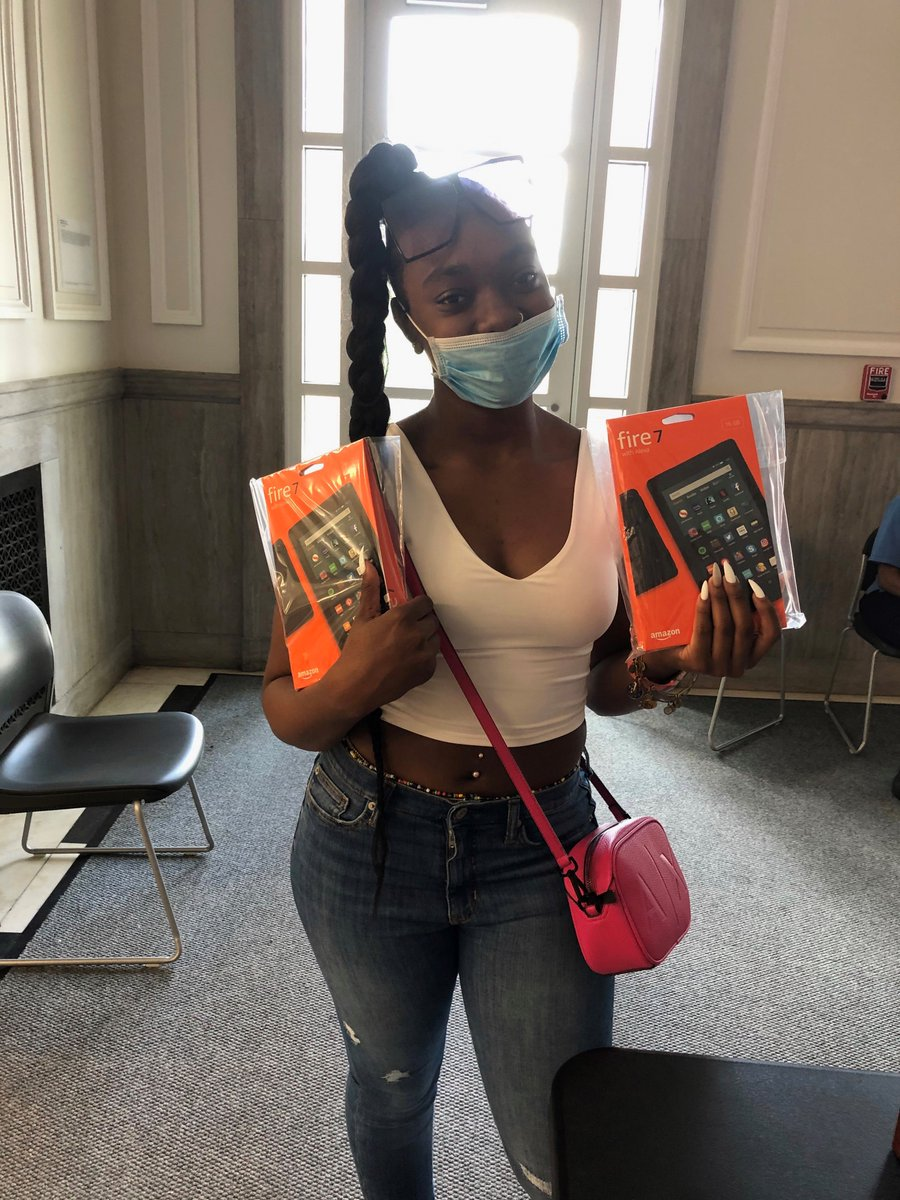 Thank you @amazon for your donation of tech devices for our students. Your generosity is helping us ensure students across the District have the resources needed to succeed. Our @RooseveltHSDC students are excited to start using their Fires for coursework this summer & beyond!