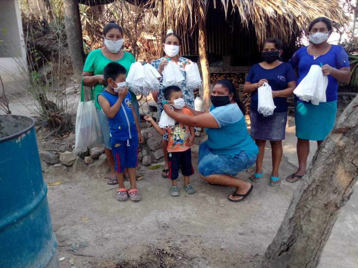 In Guatemala, humanitarians have found new ways of reaching vulnerable people in remote areas affected by the #COVID19 pandemic.   https://t.co/bsLw76bapu https://t.co/9bysEQTERv