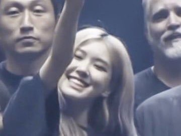 i love her #ROSÉ  #로제 <br>http://pic.twitter.com/sDiEUaUjbV