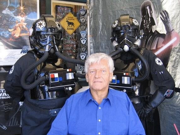 Happy 85th Birthday to Darth Vader himself, David Prowse! (I m on his left).