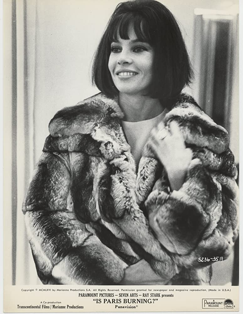 More of Leslie in #furs inc first one from 'Is Paris Burning?' 1966 rather, not 62 as I said in op.  #BornThisDay 1 July 1931 #actress #dancer & #StyleIcon #LeslieCaron #vintagefashion #1950s #1960s #1970s  5/5pic.twitter.com/0e2HIHLT9f