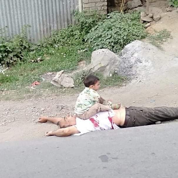 India stop innocent killings in Kashmir.A  man killed infront of his grandson  by Indian army. Modi you can rule the peoples head but not the hearts.INDIA STOP BRUTALITY. pic.twitter.com/QtPijM81dA